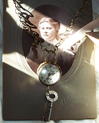 ClockworkNecklace1